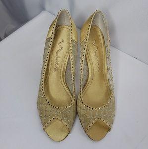 New! Nina Gold Mesh Heels Peep Toe. Leather Sole.